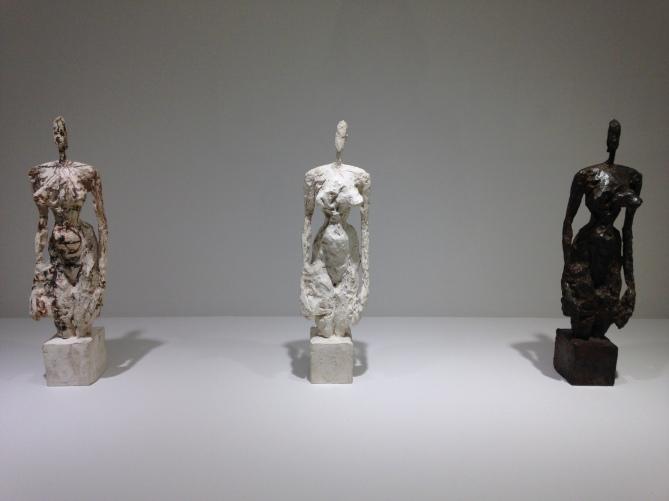 """Alberto Giacometti """"Nu debout sur socle cubique"""" 1953 Plâtre retravaillé au canif et peint Plâtre de tirage Bronze"""
