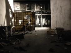 """Mathieu Dufois """"Maquette : dessin à la mine de plomb et pierre noire sur papier"""" dans une boîte noire"""
