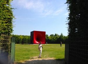 Anish Kapoor  - Château de Versailles. Bosquet de l'Etoile 4- Sectional body preparing for Monatdic Singularity.