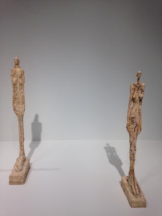 """Alberto Giacometti """"Femme de Venise VIII"""" 1956 plâtre """"Femme de Venise V"""" 1956 plâtre peint restaurées avec le concours du FHEL"""