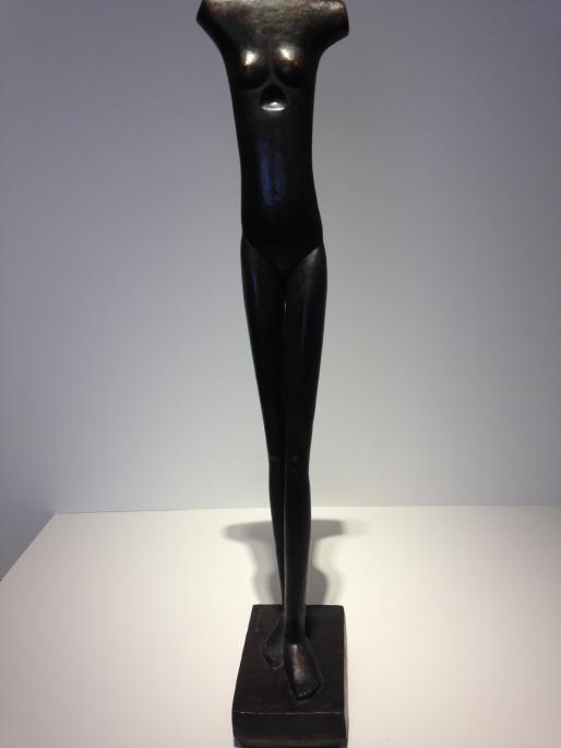 """Alberto Giacometti (1901-1966) """"Femme qui marche I"""" 1932 Bronze Coll. Fondation Giacometti"""