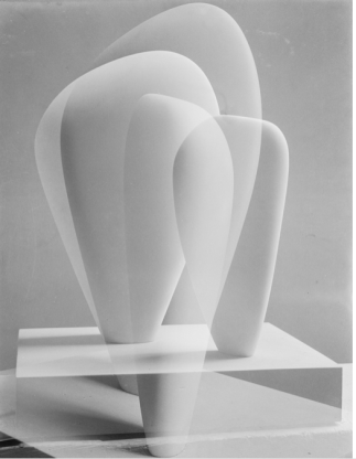 Barbara Hepworth 