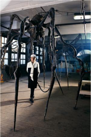 """©Jean-François Jaussaud / ©The Easton Foundation """"Louise Bourgeois, atelier de Brooklyn avec Maman"""" Exposition """"Photographies de Louise Bourgeois 1995-2006 par Jean-François Jaussaud""""à la Galerie Elizabeth Royer 16/10 au 25/10/2015"""