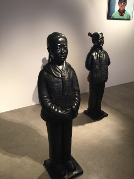 Prune Nourry Terracotta Daughters sculpture en Bronze Galerie Simon Studer Art ©Thegazeofaparisienne