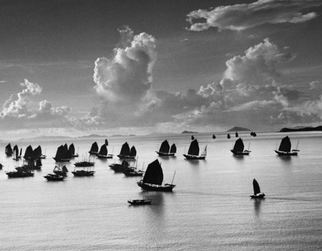 Harbour of Kowloon, Hong Kong, China, 1952 © Werner Bischof / Magnum Photos / Courtesy Musée de l'Elysée