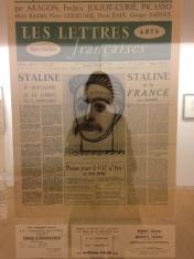 """Article des """"Lettres françaises"""" avec portrait de Staline"""