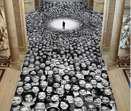 """Au Panthéon!"" - milliers de portraits collectés sur le site Inside Out. Paris 2014 Photo JR"