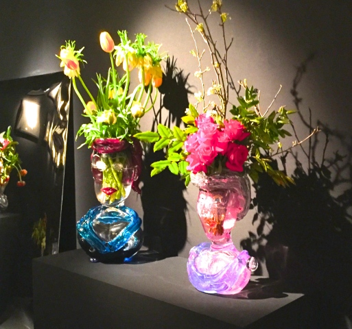 Vases portraits et bouquets de fleurs Galerie Leclaireur ©TheGazeofaParisienne