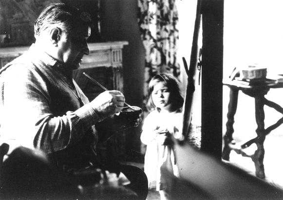 Serge Poliakoff et sa petite fille Marie-Victoire