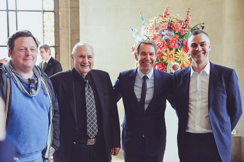 Urs Fisher, Dakis Joannou, jeff Koons et massimiliano Gioni (commissaire de l'exposition) photo: Mike Sommer pour le MAH