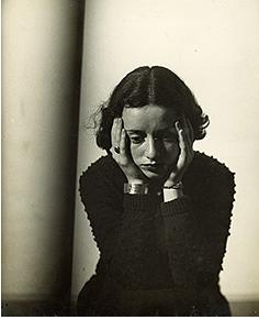 Florence Henri, Portrait de Lore Krüger, Paris, 1937 © Galleria Martini & Ronchetti