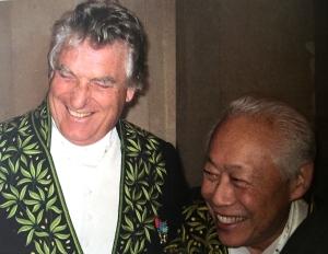 Léonard Gianadda avec Zao Wou-Ki en habit d'académicien. Photo: Jean Pierre Wiswald