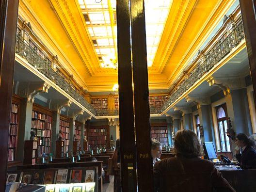 The library ©Thegazeofaparisienne