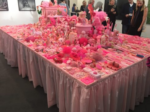 Portia Munson Pink Project: table P.P.O.W ©Thegazeofaparisienne
