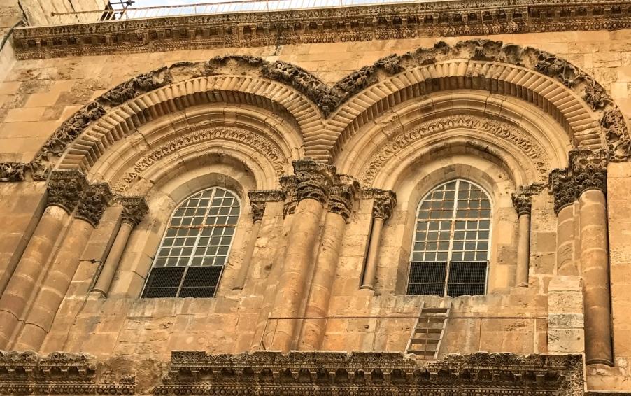 Saint Sépulcre avec vue sur l'échelle. ©Thegazeofaparisienne