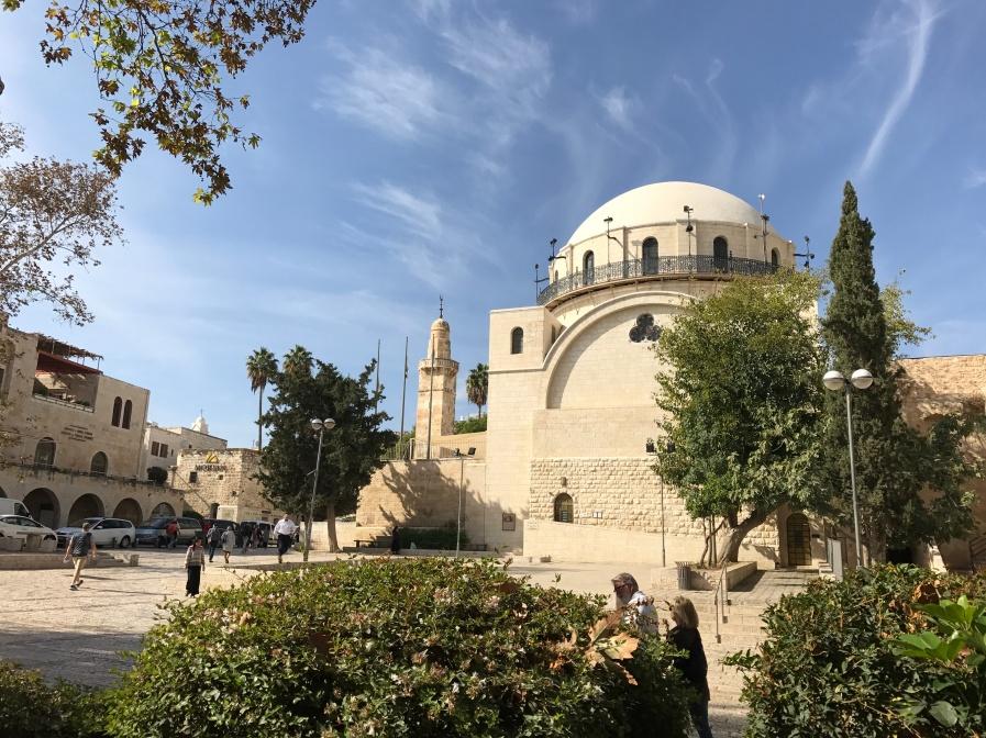 Vue de Jérusalem. 1er plan Synagogue, mosquée et église. ©Thegazeofaparisienne