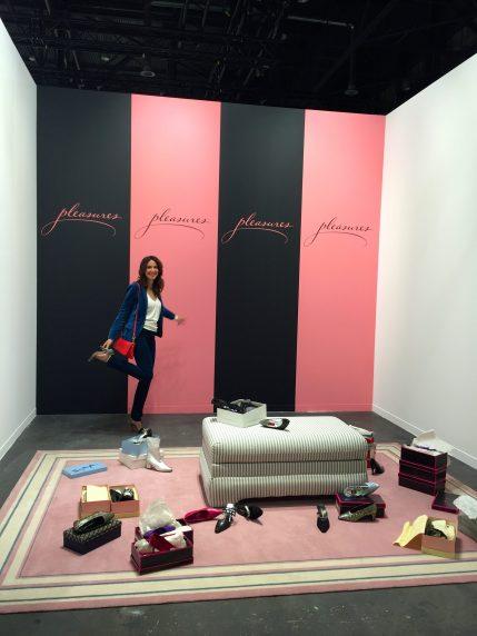 Moi irrésistiblement attirée par l'installation de Sylvie Fleury Galerie Andrea Caratsch @Caroline d'Esneval pour thegazeofaparisienne
