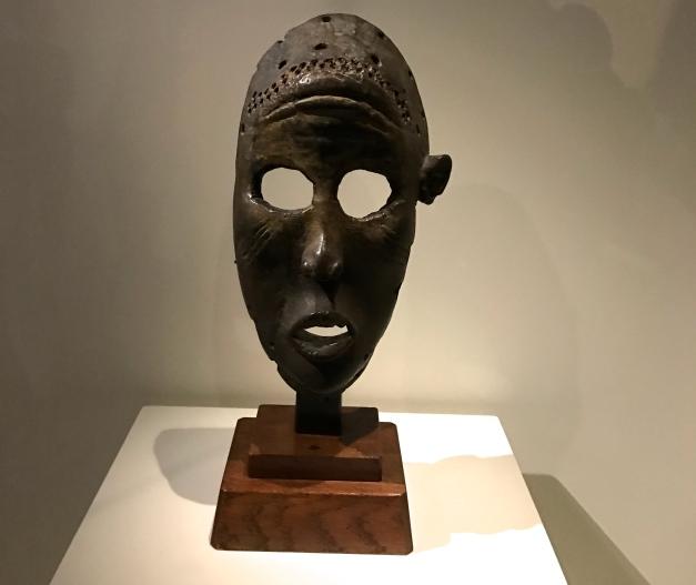 Masque anthropomorphe Dan - Côte d'Ivoire. XIXe siècle Ancienne coll. Paul Guillaume