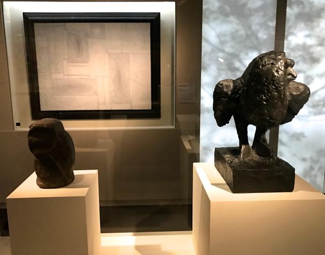 """Chouette - Proche-Orient 1er millénaire av. J.C. Pablo Picasso (1881-1973) """"La chouette"""" Vallauris bronze (1951-1953)"""