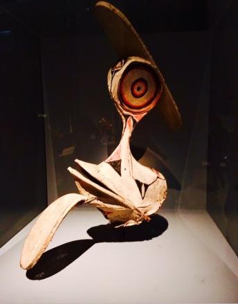 Masque Baining Papouasie Nouvelle Guinée XXe siecle Liber d'écorce battu tapa, armature baguettes de bambou Musée du Quai Branly