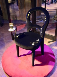 PROMEMORIA chaise BILOU BILOU par SYBILLE DE MARGERIE