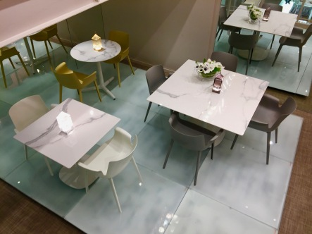 KARTELL 242 boulevard Saint Germain Paris 07