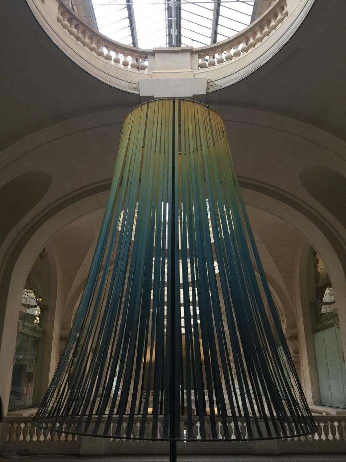 Installation de Constance Guisset imaginée pour le Palais de Tokyo