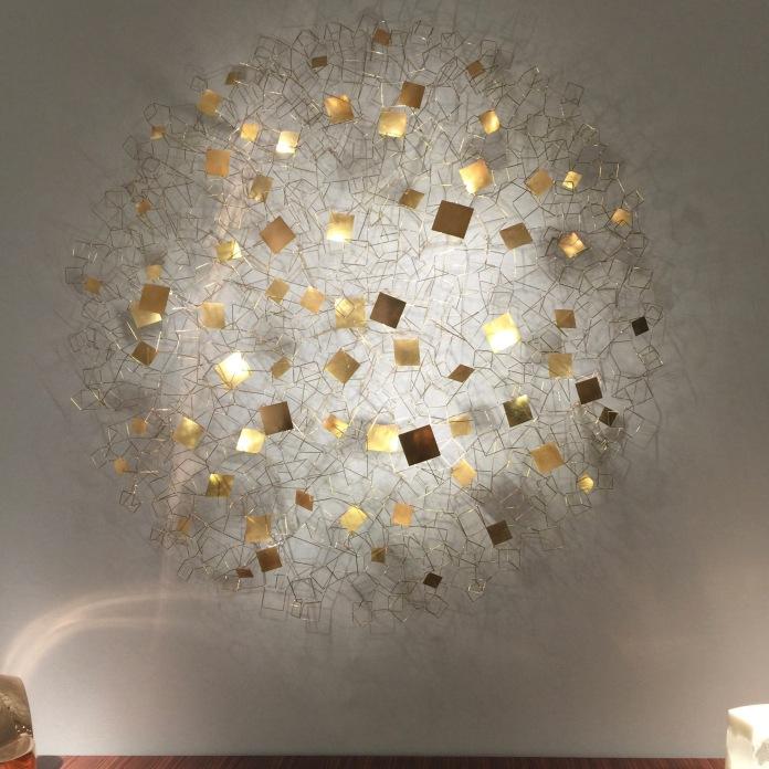 Galerie NEGROPONTES, Eric de Dormael, Architecture III 2017, structure en laiton et leds