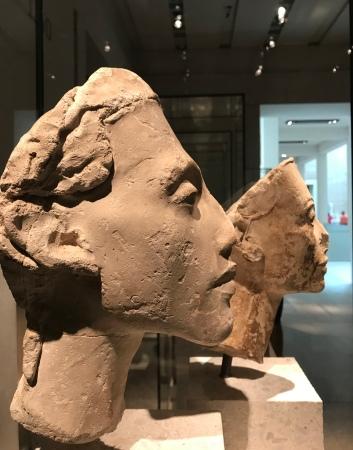 """Neues Museum """"Akhenaton"""" et """"Nefertiti"""" XVIIIe dynastie"""
