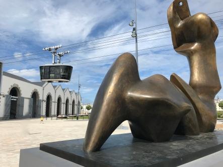 """A Brest devant Les Ateliers des Capucins. Henry Moore - """"Two Piece rReclining Figure - Cut' 1979-1981 - Bronze"""