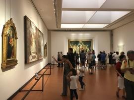 Salle des Botticelli 3 le Printemps au fond.