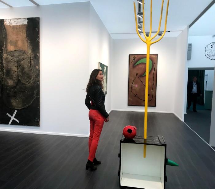 Devant une installation et une magnifique peinture de Joan Mirò. Nahmad Contemporary NY. ©thegazeofaparisienne